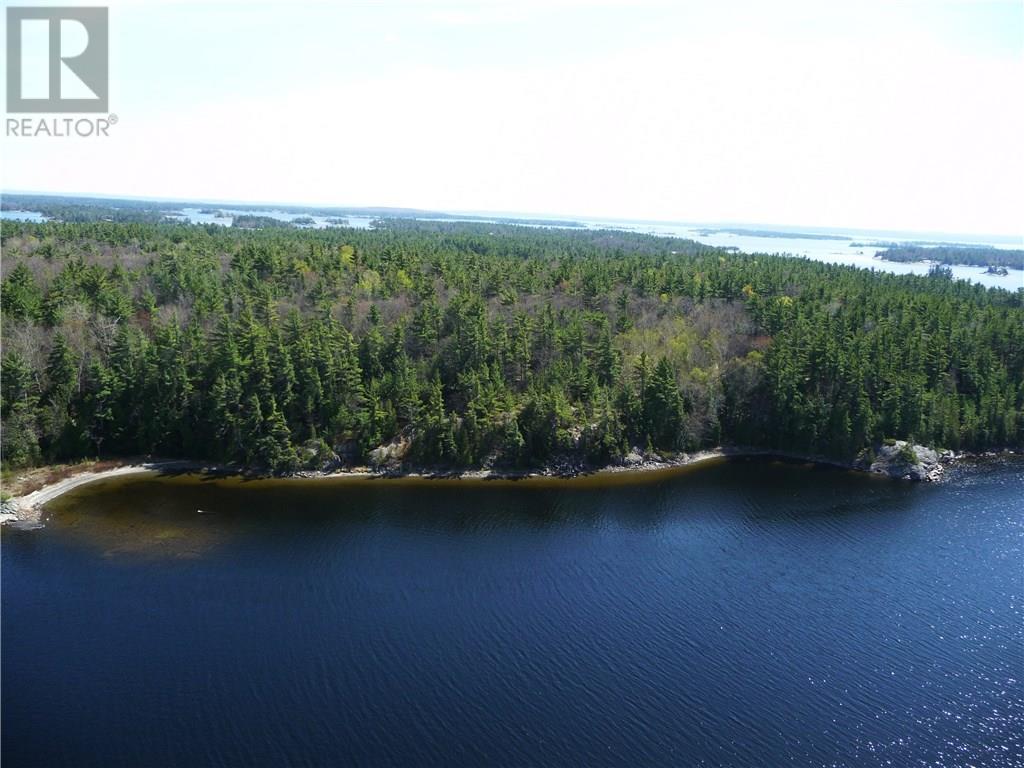 LT J ISLAND 1810/BONE ISLAND, honey harbour, Ontario