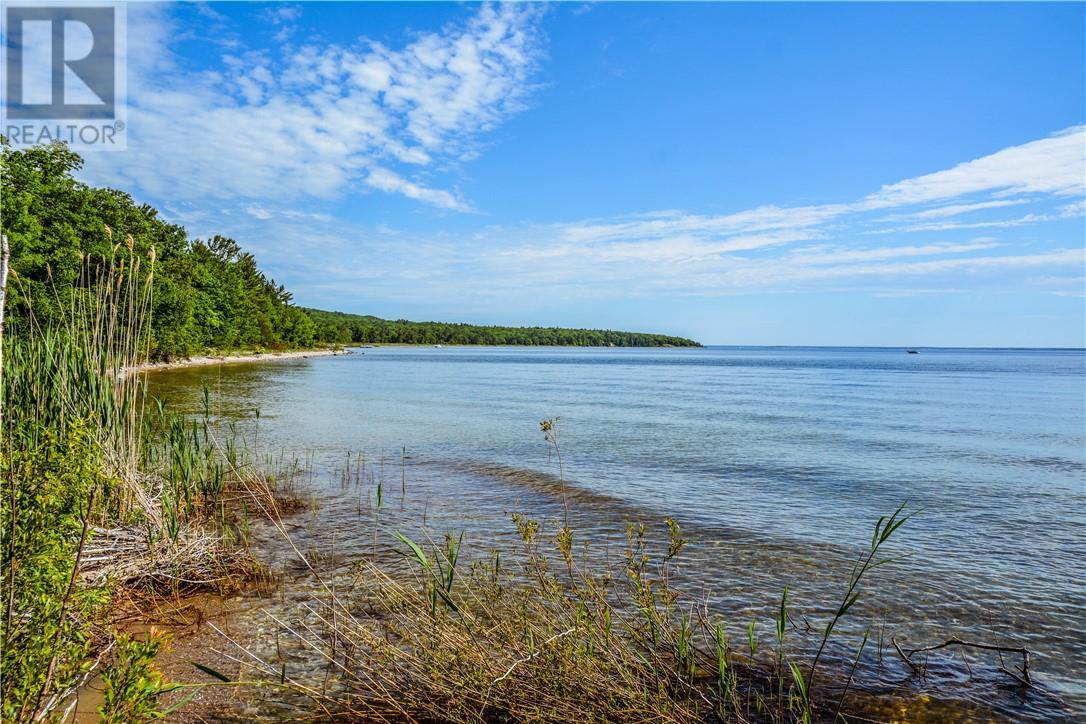 PT GIANTS TOMB ISLAND, tiny twp, Ontario
