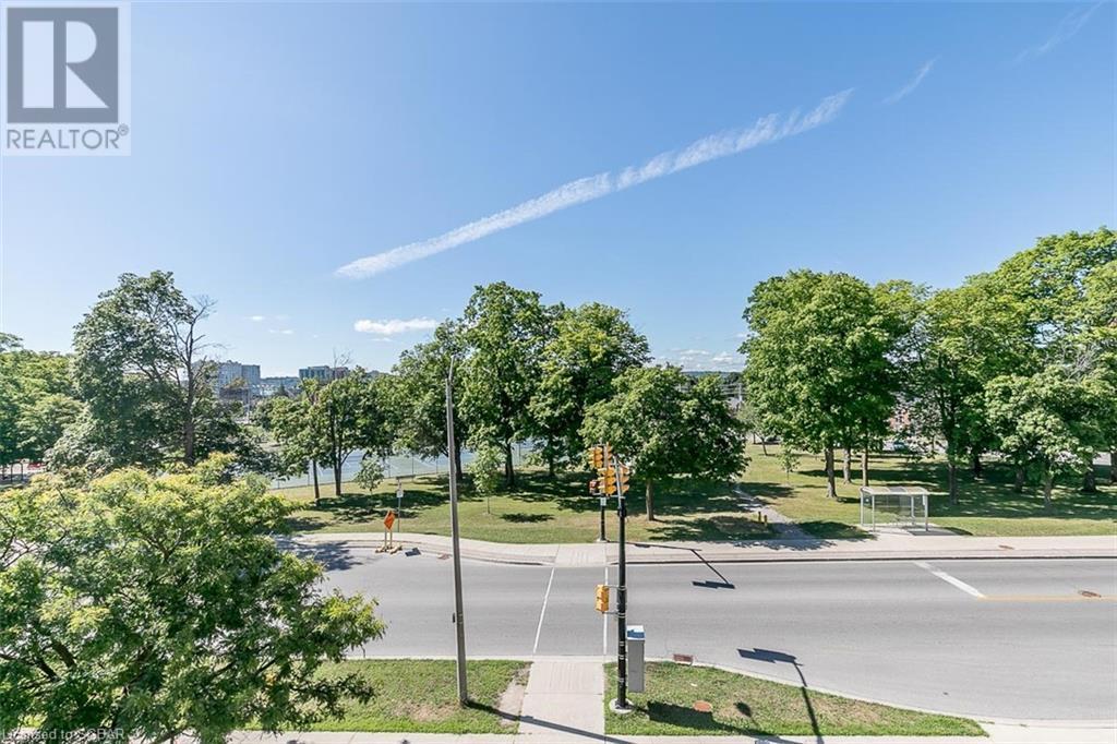 146 Toronto Street #202, Barrie, Ontario  L4N 1V4 - Photo 32 - 275419