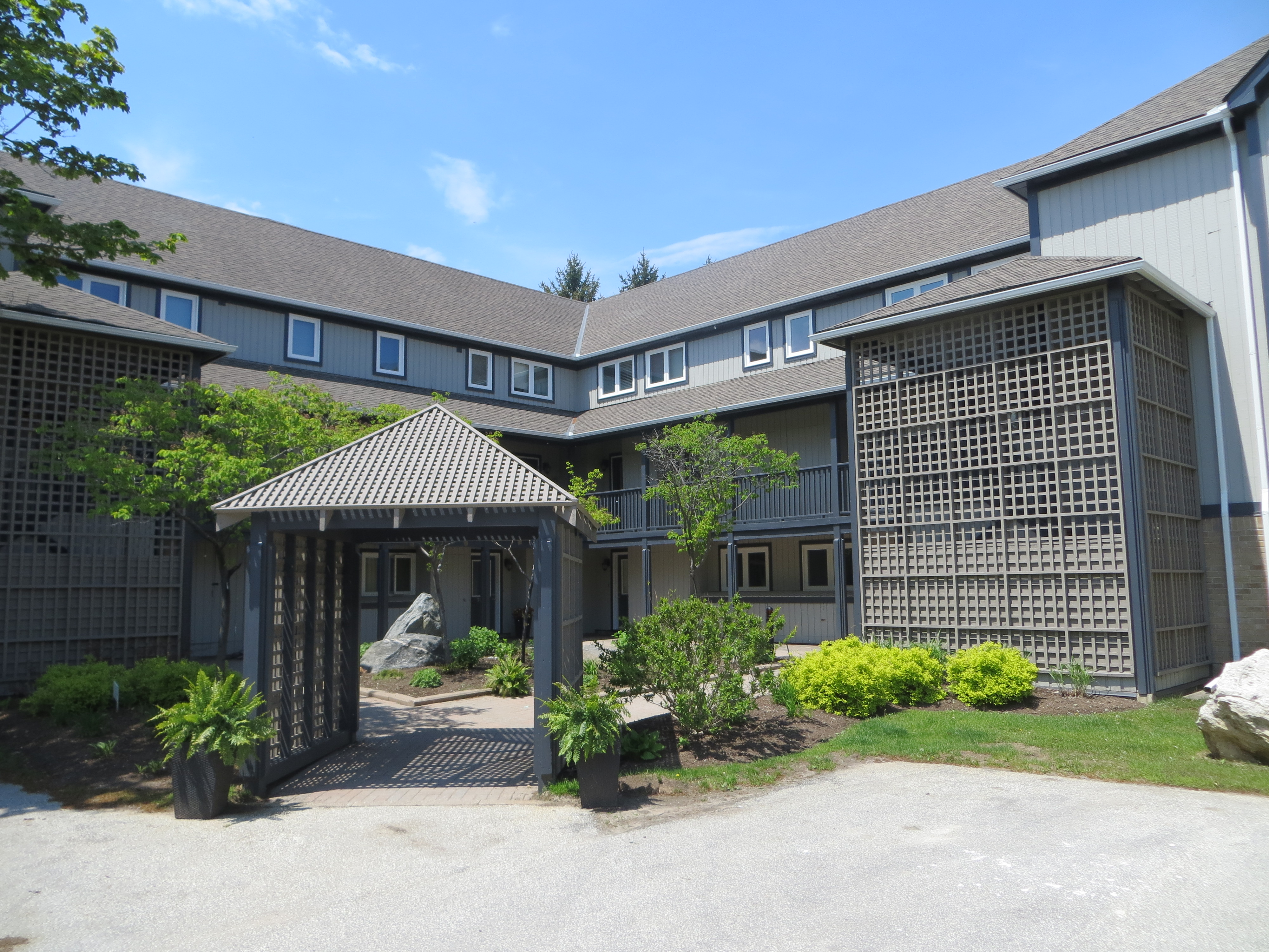 R16- Johnston Park Ave.Collingwood, Ontario    - Photo 1 - RP8385674161